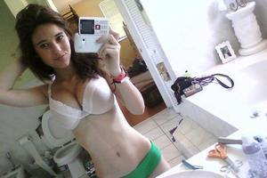 Elise is looking for adult webcam chat