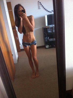 Hyacinth from  is looking for adult webcam chat