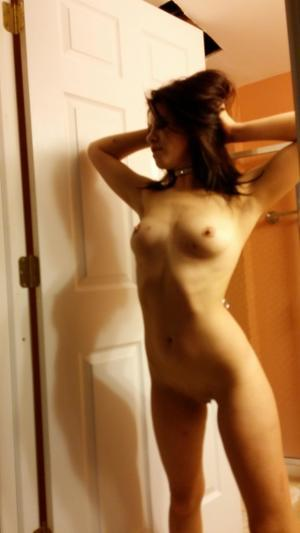 Chanda from Pedrobay, Alaska is looking for adult webcam chat