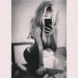 Claudie from Chelan, Washington is looking for adult webcam chat